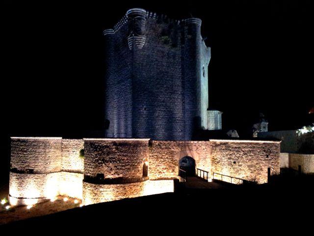 castillo entre dos luces