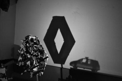 shadow art-Renault y Scenic Policía
