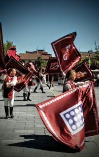 Medina en banderas