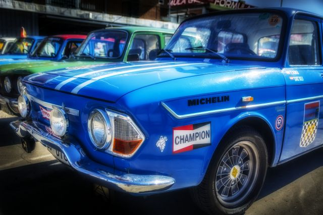 Champion R8