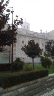 Cerca de la catedral